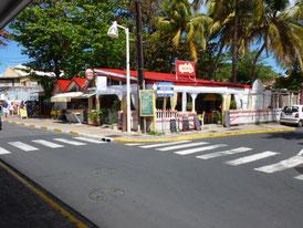 ein kleines Café in Marigot