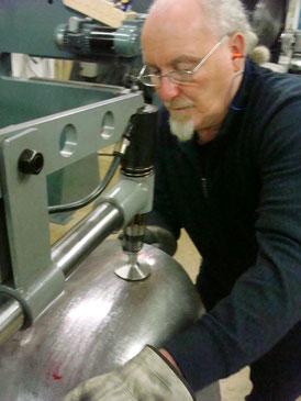 Blechbearbeitungsseminar metalcraft workshop Blechklopfer Feinblechner W. Schröder Karosseriebau Handwerkskunst