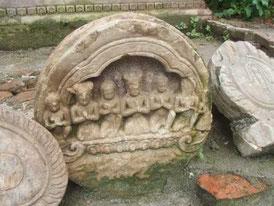 ブッダニールカンタの石像