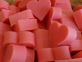 cuore rosa al profumo di rosa selvatica