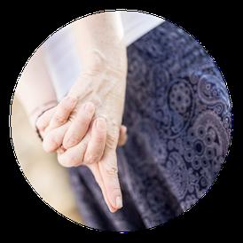 MANYO Yoga Gleisdorf Handgeste-Mudra bei Yoga für den Rücken
