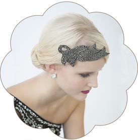 20er Jahre Kopfschmuck: eine Glitzersteine-Kreation in schwarz. Vintage - Gatsby, style in black.