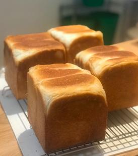 食パン - パンと和菓子の教室 MANA Belle World ( マナベルワールド )