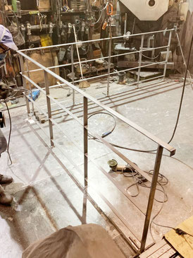 アイアン工房での製作の様子!ここからスチールフェンスを一気に仕上げます。