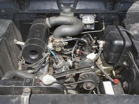 Peugeot 404 Vergaser Motor.