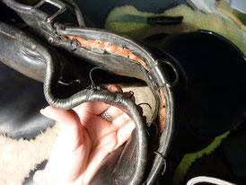Laçage des panneaux Baucher a l'avant au niveau du pommeau