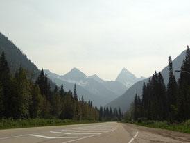 Geocaching auf dem Trans Canada Highway: Versteck in der Nähe? Dann mal kurz rechts raus fahren und suchen!