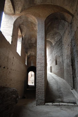 la rampa imperiale di Domiziano. Foto B. Angeli