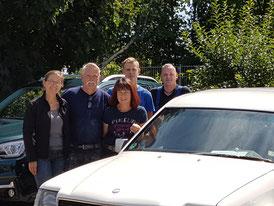 v.l.n.r. Mitfahrerin Jutta, Thomas und Sigrid Seidel mit zwei Mitarbeitern