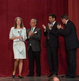 v. l. n. r. Anke Feierabend, Landrat Michael Roesberg (Stade), Wirtschaftsminister Olaf Lies sowie Landrat Bernd Lütjen (Osterholz) Foto: Michael Hensel