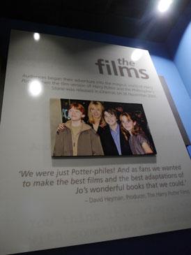 J.K. Rowling mit ihren drei Hauptdarstellern