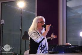Jutta Wieczorek, Alt-Sängerin. Solistin in der Vocal-Group bei Coming Home TV