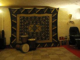 Schulungsraum für Afrikanisches Trommeln auf Djmebé und Dunduns (Basstrommeln) in Basel