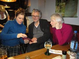 V. l.: Nicola Lembach, Klaus Kusenberg und Vorstandsmitglied Britta Bungartz (Foto: Reichert)