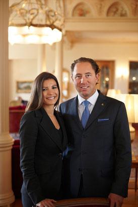 Die charmanten Gastgeber Jenny und Heinz E. Hunkeler ©Kulm Hotel
