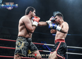 Xeyel Ehmedov (Azerbeidjan) vs. Mike Khami (Red Panthers)