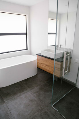 Stylish bathroom, Nautical Homes Whitianga spec home builders