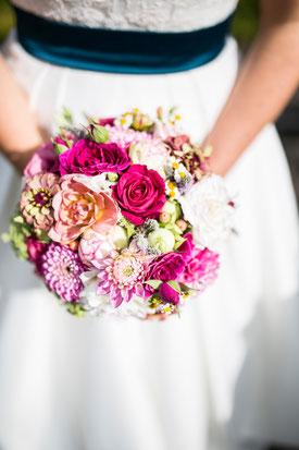 Der Brautstrauß spiegelt das Wesen der Braut und zeigt ihren Charakter.