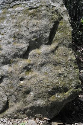 Dalle de couverture, dolmen II des Seilhols
