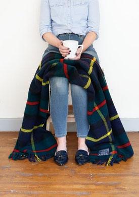Heritage Knee-Blanket in Macleod Tartan