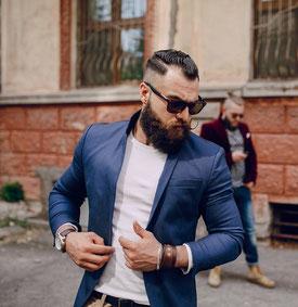 Barbershop Oberösterreich Männerfriseur in Kremsmünster Oldschool Friseur Barbershop Linz Barbershop Österreich Bart schneiden lassen Nassrasieren lassen. Barbier in Österreich. Friseur in Oberösterreich  Barbershop Kopfsache