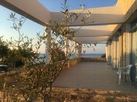 Seminarraum-Terrasse in Abendstimmung