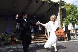 Historischer Markt Bad Essen - Moderatoren bitten zum Tanz