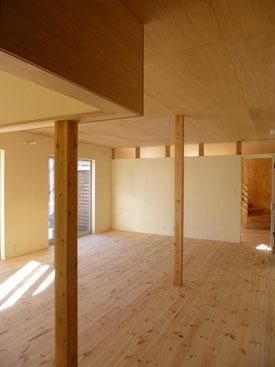 設計施工之コータロー 無垢フローリングの床