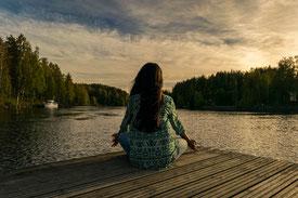 Meditation, Natur, Entspannung, Entspannungstraining, Entspannungsverfahren, Stress, Stressabbau, Stressbewältigung, Burnout-Prävention, Wohlbefinden, Ruhe, Gelassenheit