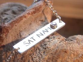 Armband mit Mantra Sat Nam Gravur