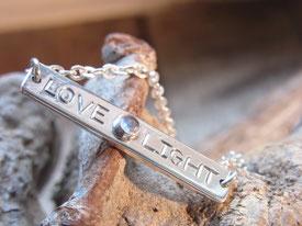 Armband mit Gravur Love Light aus Silber