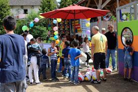 Beim Kinderfest im Stadtteil Wolf arbeiteten viele Helfer und Organisationen zusammen