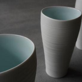 白妙磁トールカップ: 晩香窯の庄村久喜が制作したフリーカップ。ビールやジュースやお茶など普段でも使いたい逸品