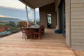 Holzfertighaus mit dem Blick ins Tal - Holzhaus - Holzbau - Hausbau mit Holz - Niedersachsen