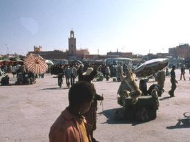 Der Djemaa el-Fna ist der zentralen Marktplatz von Marrakesch