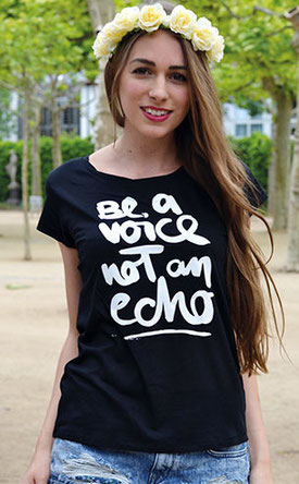 "T-Shirt ""be a voice not an echo"" in der Farbe schwarz"