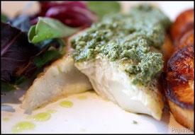 白身魚とバジルソース