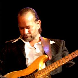 Gitarrist Mike Viertel