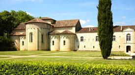 Visiter l'Abbaye de Flaran, Valence sur-Baïse dans le Gers, en Occitanie, à 20 minutes de Lassenat éco-maison d'Hôtes en Gascogne, chambre d'Hôtes de charme, table d'hôtes gourmande, bio et locavore, destination campagne, écotourisme et slowtourisme.