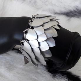 bracelet scalemail accessoire bijou cuir