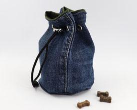 Fräulein L. Trainingsfutterbeutel Abigail Upcycling aus Jeans und von innen beschichtet oliv