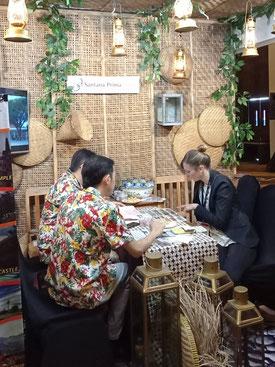 Jogya international travel mart bezoek aan een van de stands
