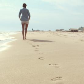 土の上は歩きやすい