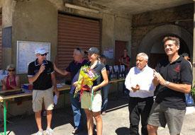 Pauline entourée du maire et du conseiller départemental