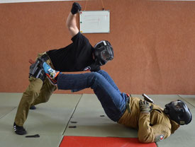 Street Combatives Empty Hands Knife Defense Force on Force