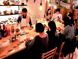 石垣島の素材を提供するレストランの店内(石垣市提供)