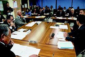 石垣市教育委員会1月定例会が開かれ、意見交換会を開催する方針を固めた=20日、市教委