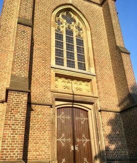 Am Freitag, 15. Februar, öffnen sich die Türen der Kirche St. Valentin in Venrath für einen besonderen Gottesdienst, der speziell den Liebenden gewidmet ist. Foto: Speen