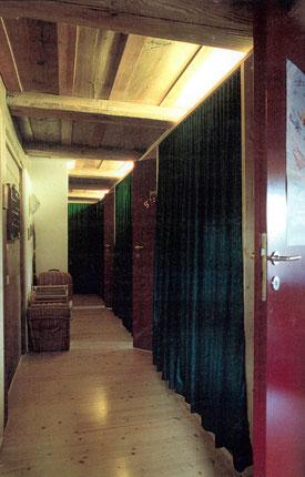 Architekturbüro Silke Hopf Wirth & Toni Wirth Architekten ETH HTL SIA Winterthur, 1995 Einbau Eigentumswohnung in  historisches Bauernhaus in Bolligen  Privat