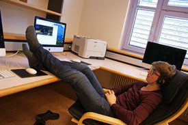 Ein Informatiker strengt sich bei der Arbeit kaum an.